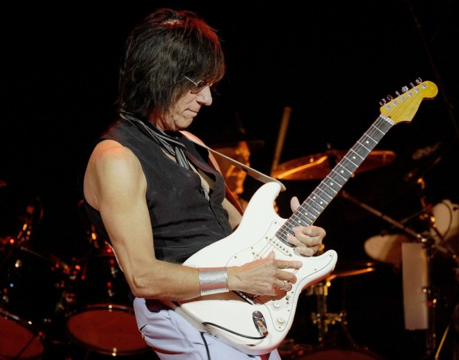 jeff-beck-performs-live-at-massey-hall-03